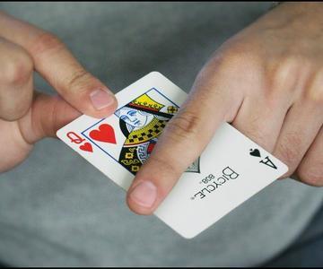 Trasforma cartas con este Truco de Magia fácil de hacer